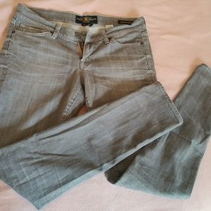 Lucky Brand women's grey jeans 6/28 Zoe Skinny
